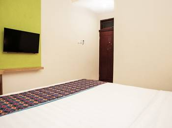 RedDoorz near Kawasan Industri SIER 2 Surabaya - RedDoorz Room Regular Plan