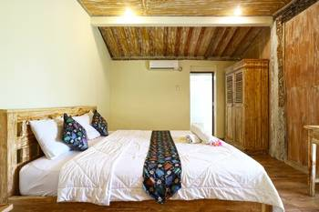 Damar Emas Guesthouse Bali - Standard Room With Breakfast Special Deal