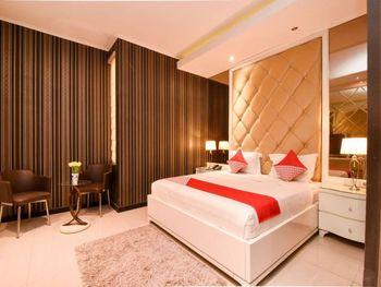 OYO 1396 D' Best Homestay Surabaya - Suite Double Regular Plan