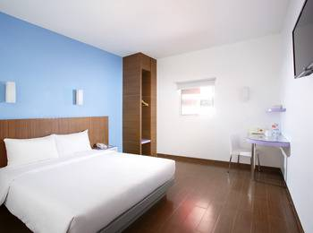 Amaris Nagoya Hill Batam - Smart Room Queen Special Promo Last Minute Deal