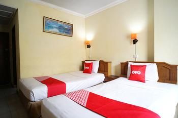 OYO 2015 Bandara Hotel Balikpapan Balikpapan - Deluxe Twin Room Early Bird