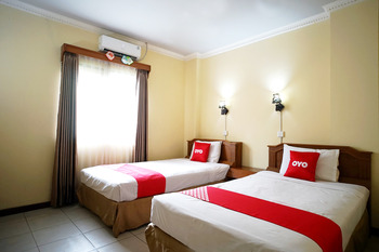 OYO 2015 Bandara Hotel Balikpapan Balikpapan - Standard Twin Room Promotion