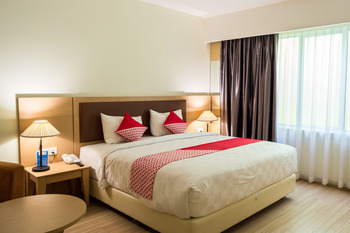 OYO 666 D' Grande Hotel Batam Batam - Suite Double Regular Plan