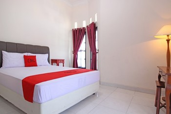 RedDoorz near UMY Yogyakarta Yogyakarta - RedDoorz Room 24 Hours Deal