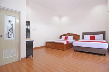 RedDoorz near UMY Yogyakarta Yogyakarta - RedDoorz Family Room Basic Deal