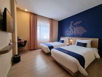 Arte Hotel Malioboro Yogyakarta Jogja - Deluxe Twin Bed Room Only Regular Plan