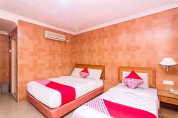 OYO 1581 Hotel Grand Palace Batam - Suite Family Regular Plan