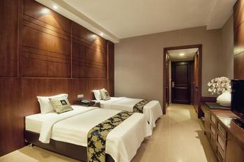 Grand Sakura Hotel Medan - Triple Room Regular Plan