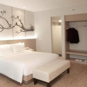 Hotel Santika Mega City Bekasi - Deluxe Room King Staycation Offer Regular Plan