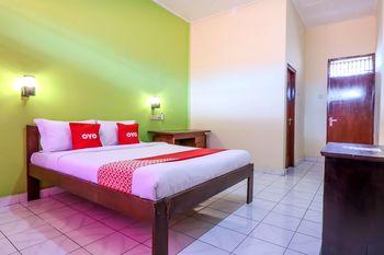 OYO 2184 Nan Berlian Inn Bali - Standard Double Room Regular Plan