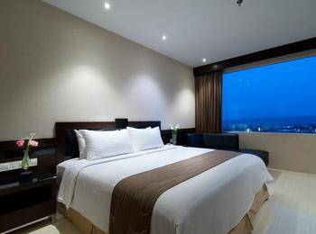 Hotel Aria Gajayana Malang - Deluxe King  Regular Plan