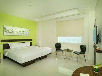 V Hotel Jakarta - Deluxe Room Regular Plan