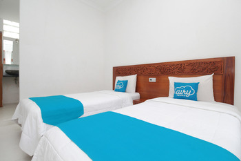 Airy Denpasar Utara Kepundung 62 Bali - Superior Twin Room with Breakfast Special Promo Oct 65