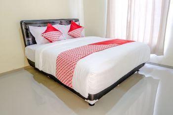 OYO 1165 Cakalang Residence Syariah Malang - Standard Double Room Regular Plan
