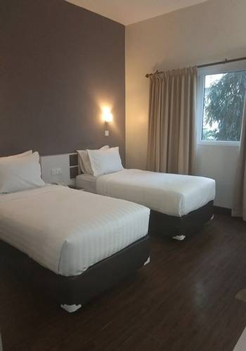 Tilamas Hotel Surabaya - Deluxe Twin Room Save More