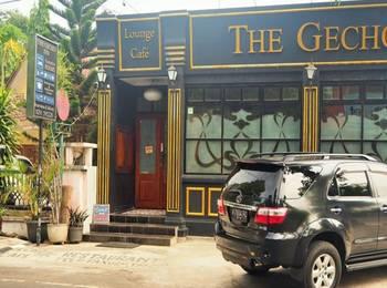 The Gecho Inn Town