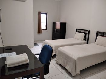 Wisma Anton Soedjarwo Depok - Deluxe Twin Room Regular Plan