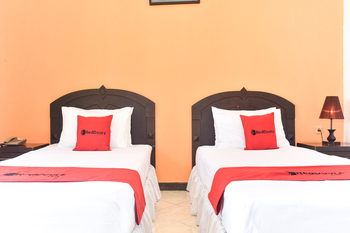 RedDoorz Plus @ Amahusu Ambon Ambon - RedDoorz Twin Room Regular Plan