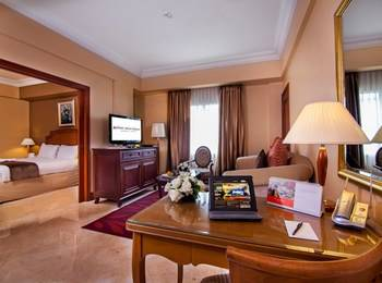 Arion Swiss Belhotel Kemang - Executive Suite Room With Breakfast Regular Plan