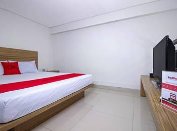 RedDoorz @Cibogo Bawah Bandung - Reddoorz Room Basic Deal