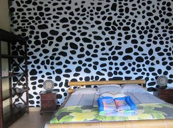 Waeni's Sunset View Bungalow Bali - Family Room with 2 Queen Bed Regular Plan