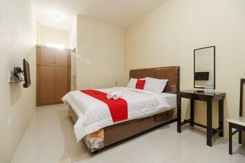 RedDoorz Syariah near RS Pirngadi Medan Medan - RedDoorz Room with Breakfast KETUPAT