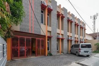 RedDoorz Syariah near RS Pirngadi Medan Medan - RedDoorz Twin Room with Breakfast KETUPAT