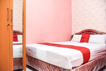 RedDoorz @ Pettarani Square Makassar - Double Room Regular Plan