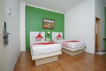 OYO 575 Blessing Hotel Palembang - Deluxe Twin Room Regular Plan