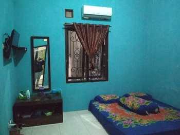 Homestay Sapphire Syariah Pekalongan - Double AC Private Bathroom Regular Plan