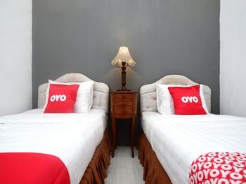 OYO 2055 Perdana Kasih Klaten - Deluxe Twin Room Regular Plan