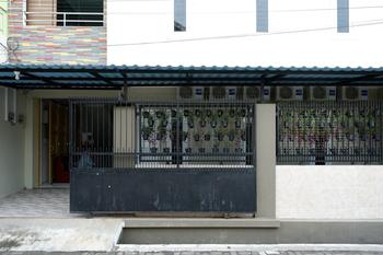 RedDoorz Hostel near Kota Lama Semarang