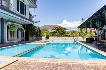 RedDoorz Premium @ Sea Residence Manado