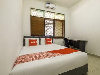 OYO 1954 Tubagus Guest House Bandung - Standard Double Room Regular Plan