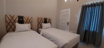 OYO 3266 Alifah Residence Syariah Padang - Standard Twin Room Regular Plan