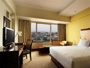 Hotel Santika Semarang - Deluxe Room King LONG NITE PROMO