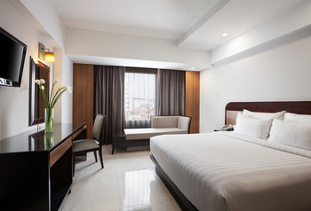 Hotel Santika Semarang - Deluxe Room King Staycation Offer Regular Plan