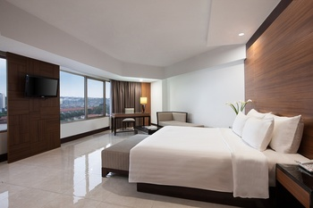 Hotel Santika Semarang - Executive King Room Promotion  Regular Plan