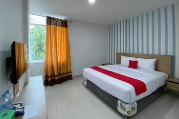 RedDoorz Plus @ Cemara Asri Medan Deli Serdang - RedDoorz Room AntiBoros