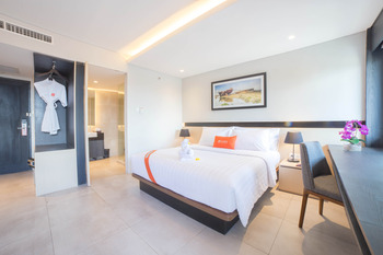 J4 Hotels Legian - Grand Superior Room Basic Deal 20% Off