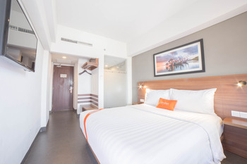J4 Hotels Legian - Premier Deluxe Balcony with Breakfast Regular Plan