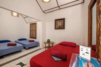 Nextdoor Homestay Yogyakarta - Family Standard Room Regular Plan
