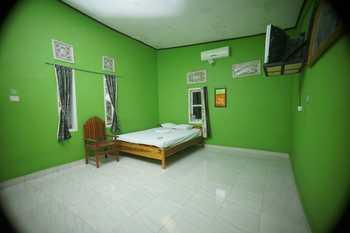 Hotel Bira Panda Beach 1 Bulukumba - Standard Deluxe Room  Regular Plan