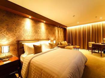 The Excelton Hotel Palembang Palembang - Club Room Regular Plan