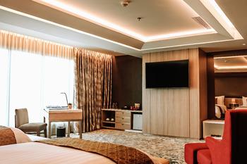 The Excelton Hotel Palembang Palembang - Suite Room Regular Plan