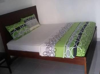Larisa Homestay Jogja - Standard AC (Kamar Mandi Dalam) Regular Plan