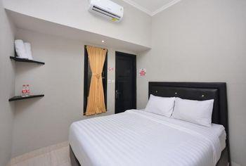 Pucuk Matahari Family Guesthouse Karanganyar - Standard Double Room Only SALE