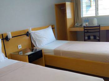 Hotel Omega Karawang - Deluxe Room Special Promo