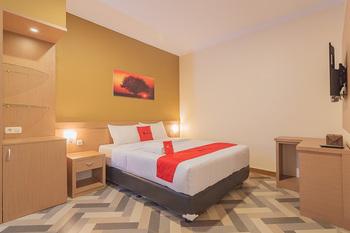 RedDoorz Syariah @ Villa Grand Mutiara Tasikmalaya Tasikmalaya - RedDoorz Room BASIC DEALS
