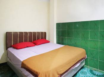 Hotel Ellysta Tangerang - Deluxe Room Last Minute